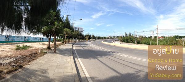 ภาพถนนด้านหน้าโครงการครับ