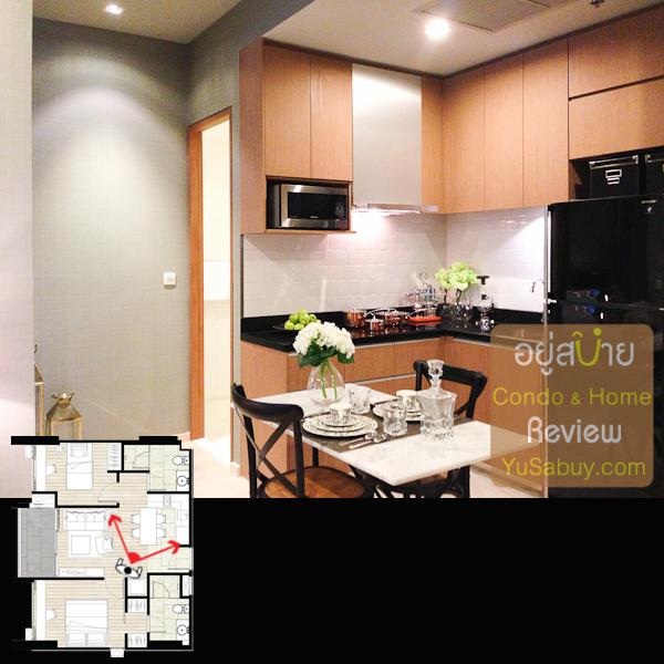 ดูตรงชุดเตาท์เตอร์ครัวใกล้ๆ โทนสีที่ให้มาจะแตกต่างจากแบบ 1 ห้องนอนนะครับ (ลองดูรายละเอียดในเรื่องวัสดุต่อด้านล่าง)