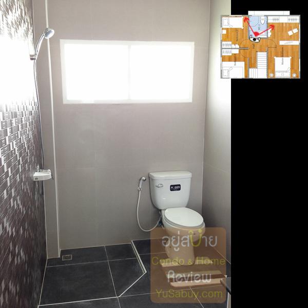 ในห้องน้ำชั้นบน